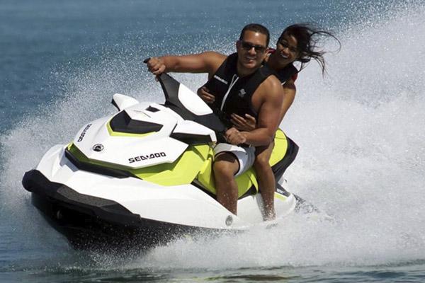 Alquiler motos de agua Benidorm